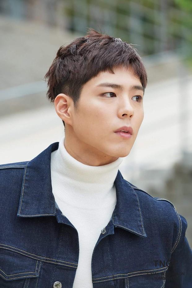 Song Joong Ki, Park Bo Gum và Jung Hae In: 3 chàng tài tử đẹp như tiên hạ phàm đang khiến cả châu Á điên đảo - Ảnh 48.