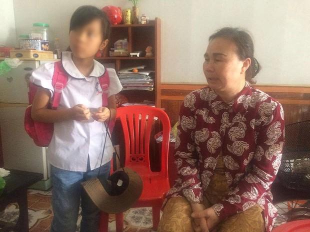 Hiệu trưởng nói về cô giáo bắt học sinh lớp 3 uống nước giặt giẻ: Cô rất hoang mang và nói hành động đó vừa đùa, vừa thật - Ảnh 3.