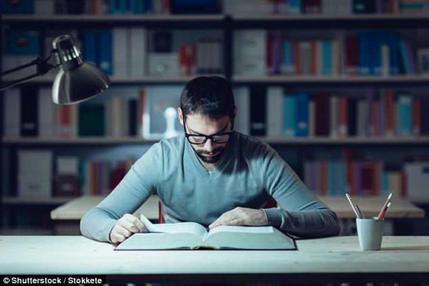 7 câu đố test IQ người ra đề tin rằng chỉ ai học xong thạc sĩ mới làm đúng hết - Ảnh 1.