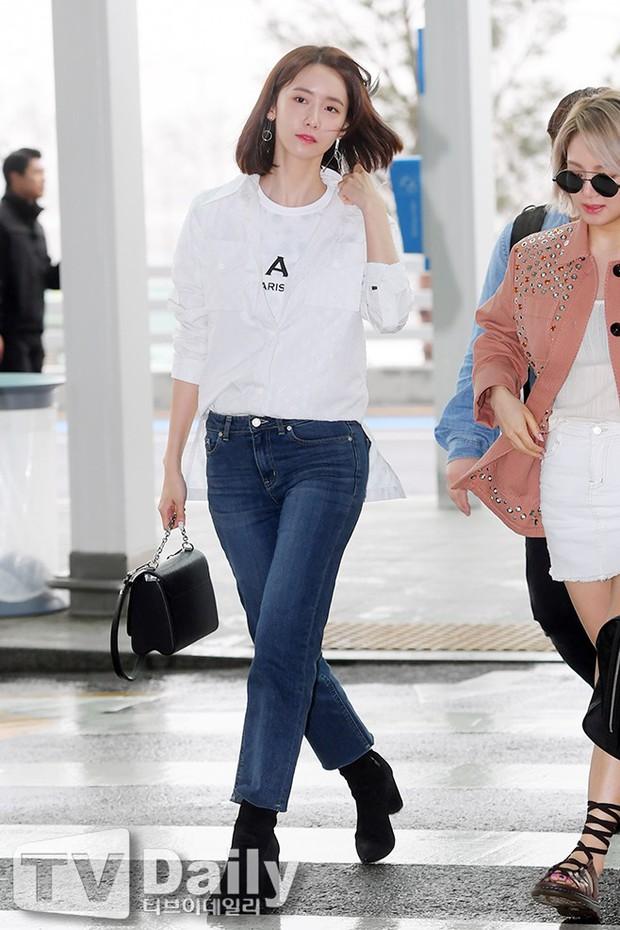 SNSD cùng quân đoàn sao nhà SM đổ bộ: Taeyeon khoe eo bé khó tin, nữ thần Yoona và Irene đọ sắc bên dàn mỹ nam - Ảnh 1.