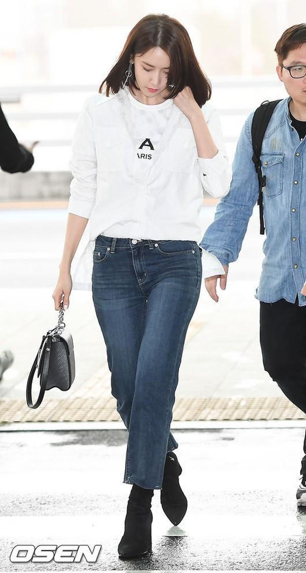 SNSD cùng quân đoàn sao nhà SM đổ bộ: Taeyeon khoe eo bé khó tin, nữ thần Yoona và Irene đọ sắc bên dàn mỹ nam - Ảnh 2.