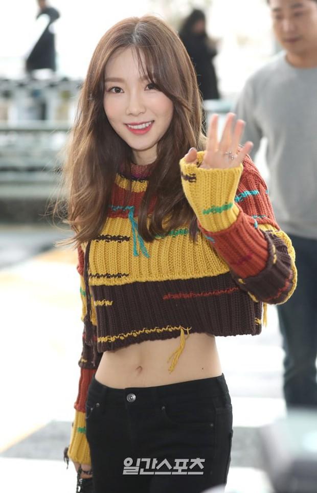 SNSD cùng quân đoàn sao nhà SM đổ bộ: Taeyeon khoe eo bé khó tin, nữ thần Yoona và Irene đọ sắc bên dàn mỹ nam - Ảnh 9.