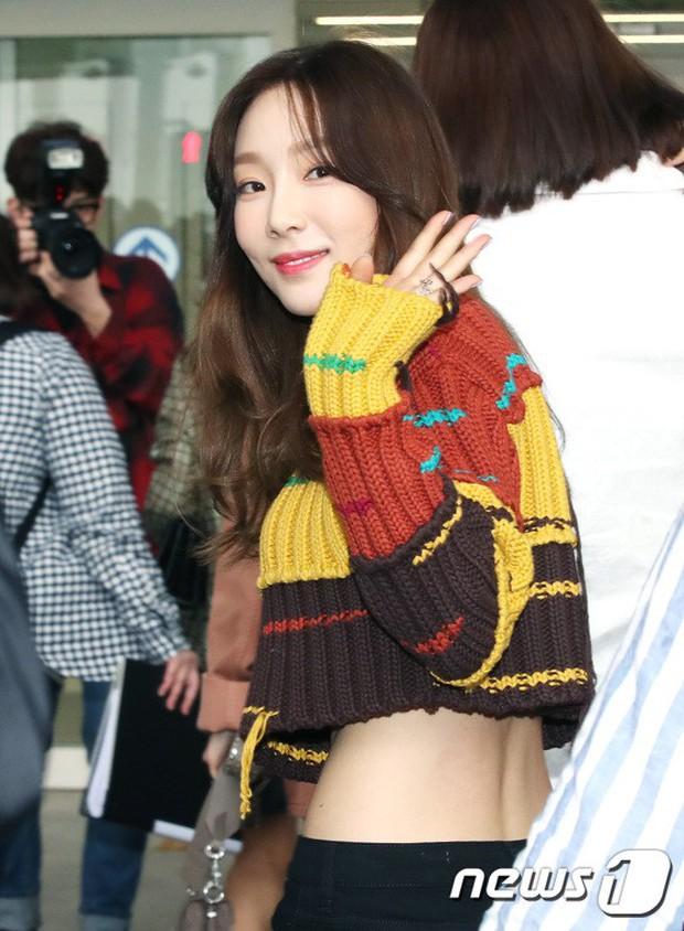 SNSD cùng quân đoàn sao nhà SM đổ bộ: Taeyeon khoe eo bé khó tin, nữ thần Yoona và Irene đọ sắc bên dàn mỹ nam - Ảnh 10.