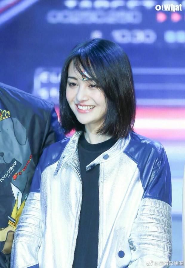 Không còn mặt lệch vì thẩm mỹ, con ghẻ Cbiz Trịnh Sảng gây sốc vì quá xinh đẹp tại sự kiện mới - Ảnh 4.