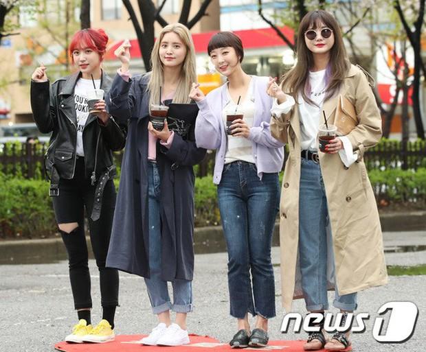 Tiên cảnh hoa anh đào tại Hàn: Mỹ nhân Hani chiếm hết spotlight, Wanna One xuất hiện cùng quân đoàn mỹ nam - Ảnh 8.