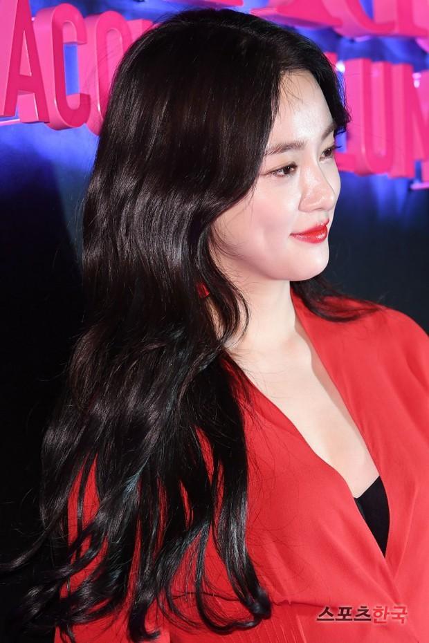 Sự kiện hot nhất hôm nay: Bạn gái G-Dragon khoe ngực táo bạo, sang như bà hoàng bên dàn mỹ nhân đình đám xứ Hàn - Ảnh 8.