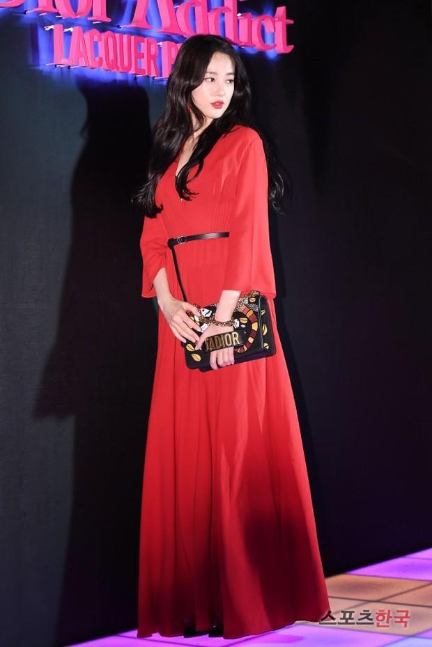 Sự kiện hot nhất hôm nay: Bạn gái G-Dragon khoe ngực táo bạo, sang như bà hoàng bên dàn mỹ nhân đình đám xứ Hàn - Ảnh 5.