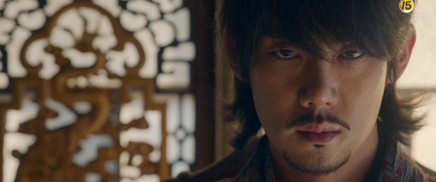 Năm ngoái bị chê nhan sắc thậm tệ, Kim Min Jung giờ còn rực rỡ hơn cả nữ chính Mr. Sunshine - Ảnh 8.
