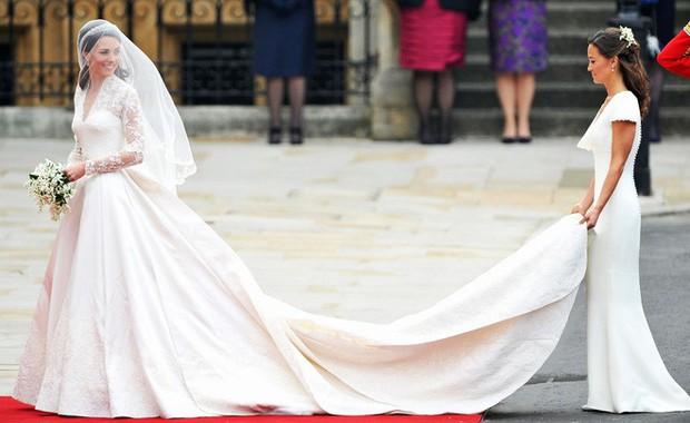 Mê chiếc váy cưới xa xỉ của Công nương Kate, các cô dâu tương lai đã có lựa chọn bình dân hơn từ BST mới nhất của H&M  - Ảnh 2.