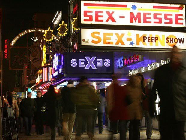 Câu chuyện hợp pháp hóa mại dâm tại 10 nước trên thế giới: Nước cho phép bán dâm nhưng lại hạn chế việc mua dâm - Ảnh 3.