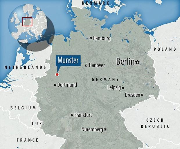 Nóng: Xe bán tải lao vào đám đông ở Đức, hơn 30 người thương vong, tài xế tự sát - Ảnh 4.