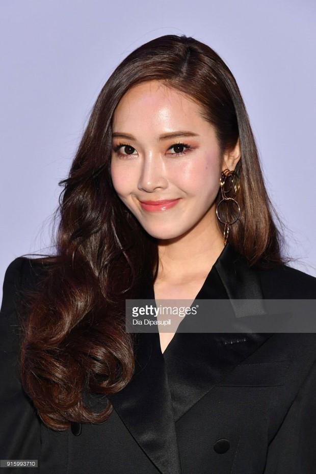 Hành trình nhan sắc ly kỳ của Jessica đến tuổi 30: Từng lọt top gương mặt đẹp nhất thế giới và giờ thất thường khó đoán - Ảnh 31.