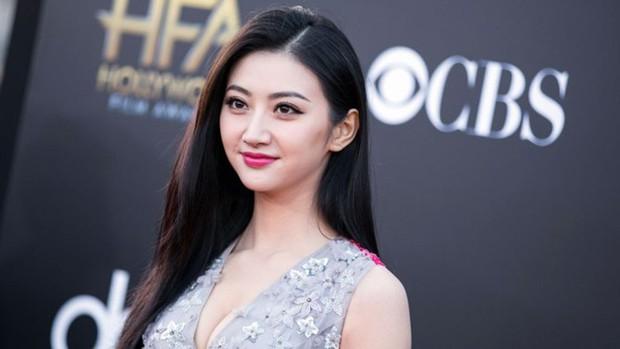Rộ tin Cảnh Điềm chiếm ngôi Triệu Lệ Dĩnh, trở thành đại sứ mới của Dior Trung Quốc  - Ảnh 4.