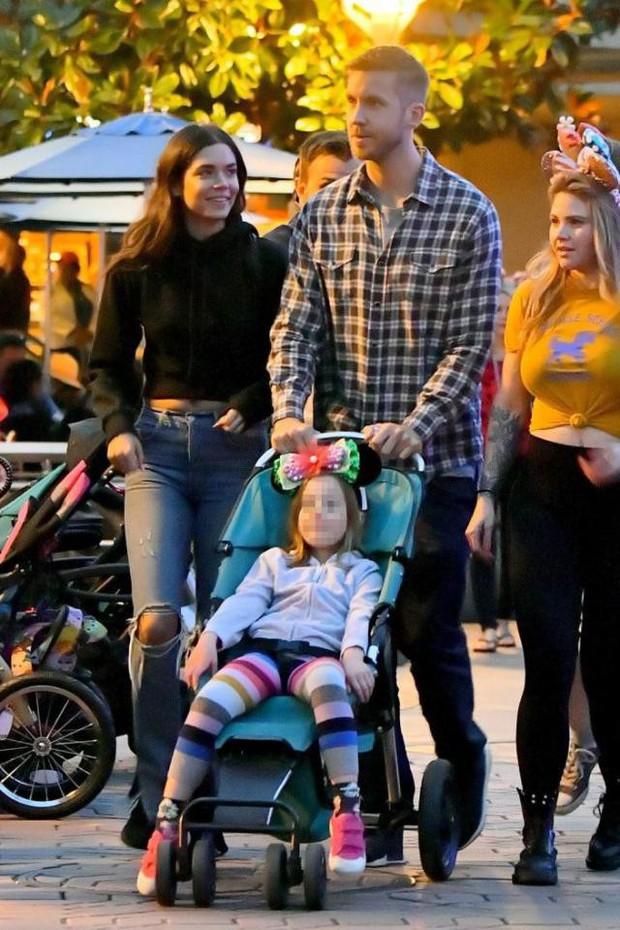 Calvin Harris tái hợp bạn gái cũ xinh đẹp, chân dài nhưng đó không phải là Taylor Swift - Ảnh 2.