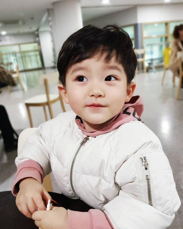 Những nhóc tỳ Hàn Quốc đình đám trên Instagram: Đáng yêu và hot ngang ngửa các Instagramer nổi tiếng xứ Kim Chi - Ảnh 23.