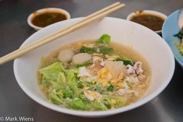 Chỉ điểm nơi thưởng thức món ngon ở Chiang Mai (Thái Lan) mà giá mềm không thể tưởng - Ảnh 6.