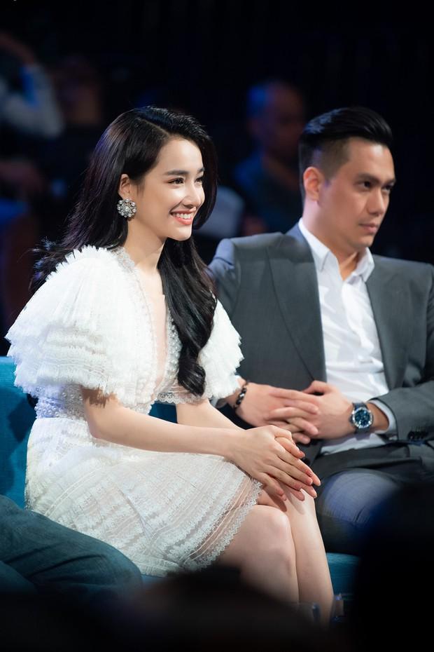 Im lặng giữa scandal tình cảm, Nhã Phương xuất hiện đẹp nổi bật với vai trò giám khảo cuộc thi làm phim - Ảnh 9.
