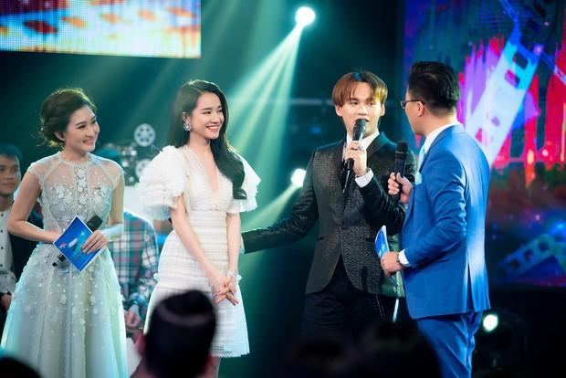 Im lặng giữa scandal tình cảm, Nhã Phương xuất hiện đẹp nổi bật với vai trò giám khảo cuộc thi làm phim - Ảnh 5.
