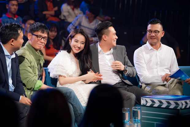Im lặng giữa scandal tình cảm, Nhã Phương xuất hiện đẹp nổi bật với vai trò giám khảo cuộc thi làm phim - Ảnh 3.