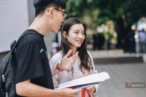 Học sinh lớp 12 hào hứng với ngày hội tuyển sinh 2018 của Đại học Ngoại Thương - Ảnh 4.