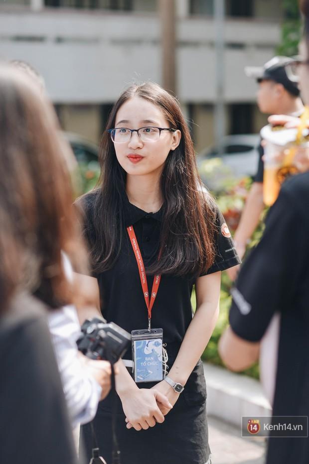 Học sinh lớp 12 hào hứng với ngày hội tuyển sinh 2018 của Đại học Ngoại Thương - Ảnh 8.