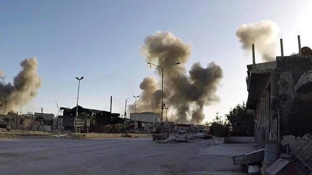 Hình ảnh kinh hoàng được cho là do tấn công hóa học ở Douma (Syria) - Ảnh 1.