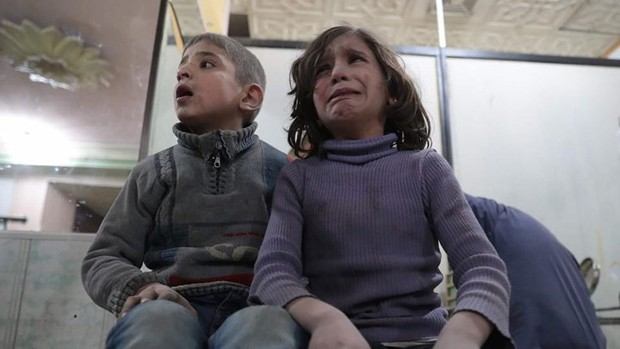 Hình ảnh kinh hoàng được cho là do tấn công hóa học ở Douma (Syria) - Ảnh 8.