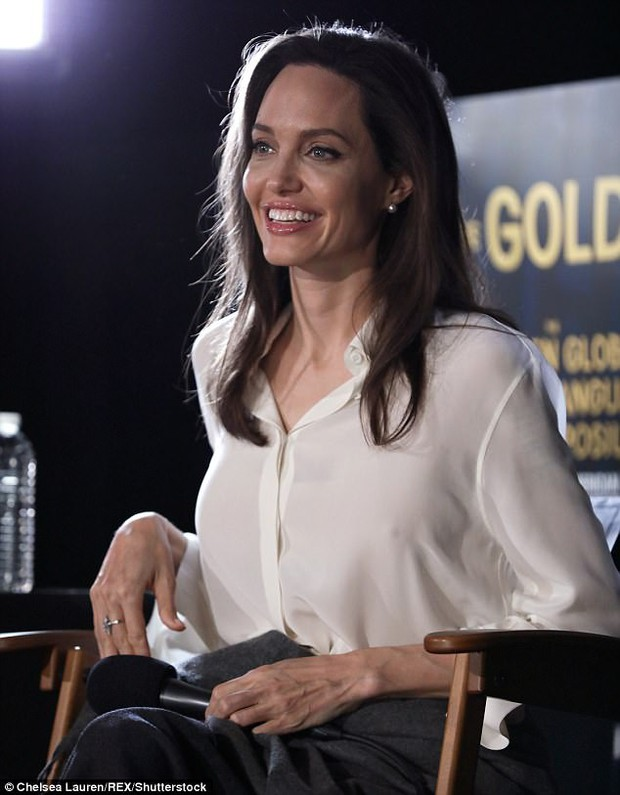 Sút cân quá nhiều, Angelina Jolie bốc lửa năm nào giờ trở nên xanh xao, hốc hác trên thảm đỏ - Ảnh 7.