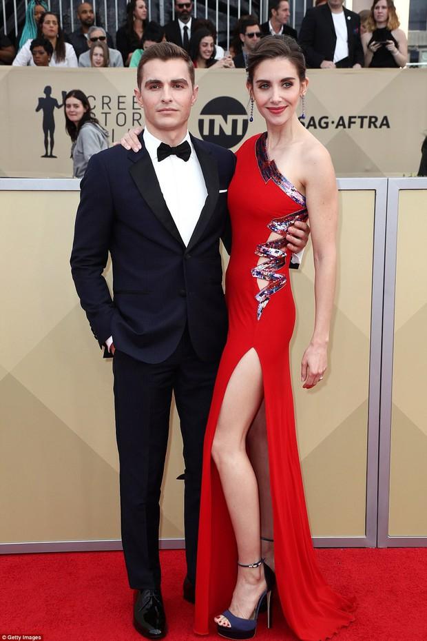 Dàn mỹ nhân Hollywood lại lộng lẫy đủ sắc màu trên thảm đỏ SAG sau phong trào diện đồ đen - Ảnh 20.
