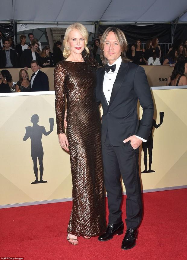 Dàn mỹ nhân Hollywood lại lộng lẫy đủ sắc màu trên thảm đỏ SAG sau phong trào diện đồ đen - Ảnh 9.