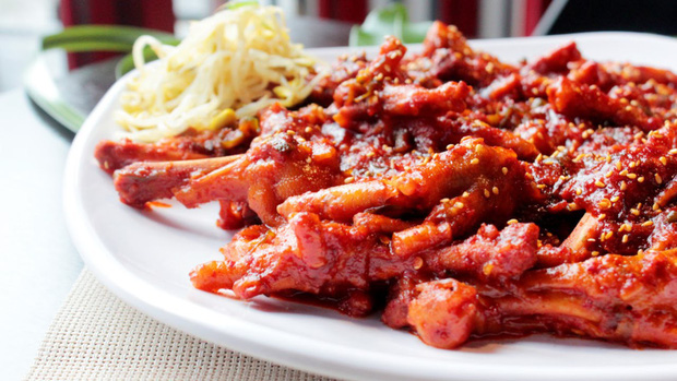 Điểm mặt những món ăn cay xé lưỡi khiến Wanna One và loạt sao Hàn quắn quéo đỏ mặt - Ảnh 10.