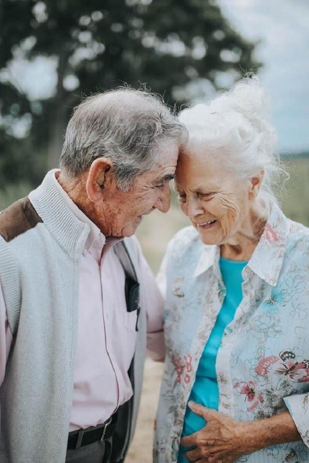 Gần 70 năm chưa từng rời bỏ nhau nửa bước, cặp vợ chồng này đã chứng minh cho cả thế giới thấy tình yêu lãng mạn không phân biệt tuổi tác - Ảnh 13.