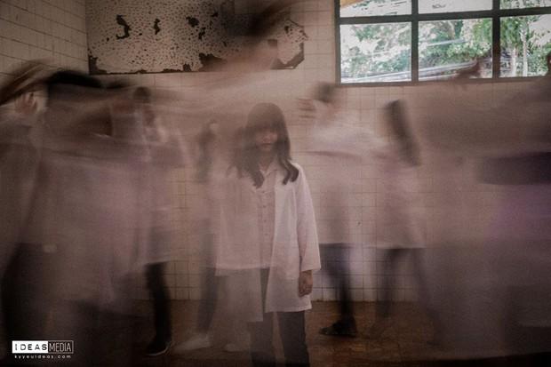 Bộ ảnh kỷ yếu rùng rợn chụp trong bệnh viện bỏ hoang của nhóm học sinh Bình Phước - Ảnh 3.