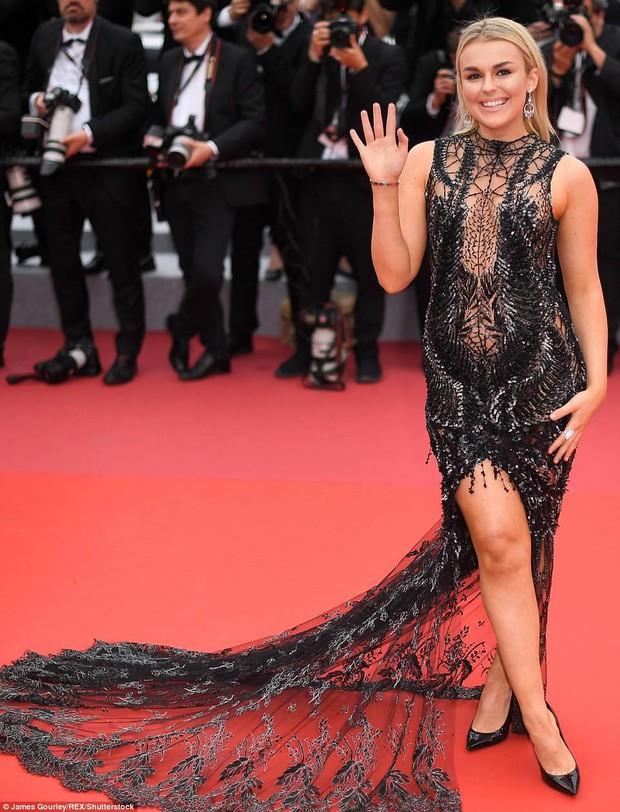 Thảm đỏ LHP Cannes ngày 2: Bồ cũ G-Dragon lộ vòng 1 lép kẹp, lu mờ trước sao nữ ngực khủng làm trò lố - Ảnh 14.