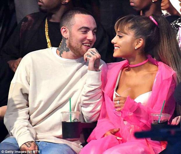 Chia ngọt sẻ bùi suốt 2 năm, Ariana Grande và bạn trai bất ngờ chia tay - Ảnh 2.