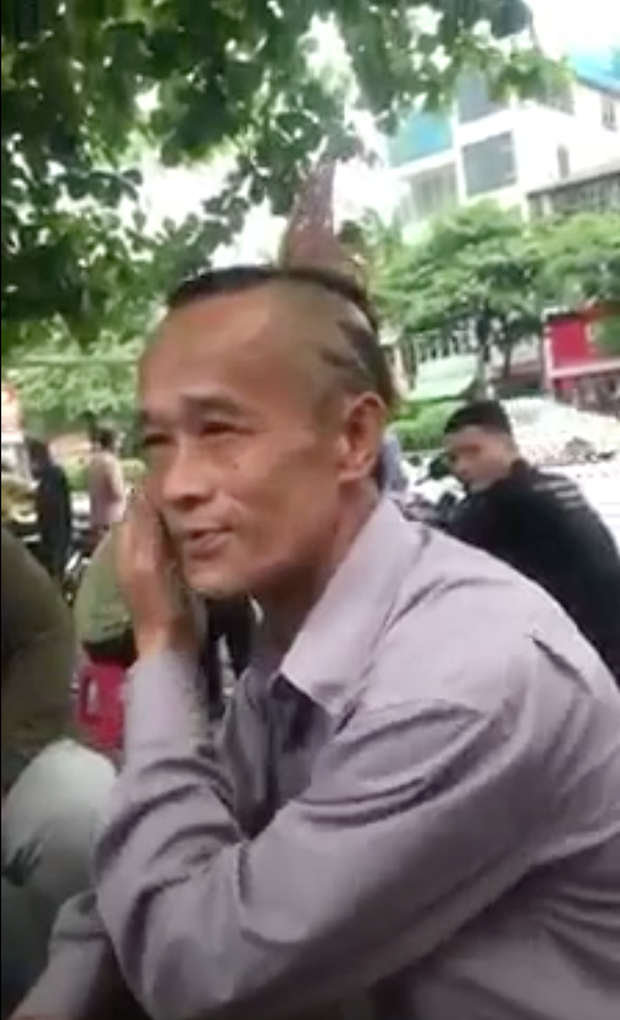 Ông bác bất ngờ nổi tiếng khắp MXH vì sở hữu quả đầu quá chất đến HKT cũng phải chào thua - Ảnh 2.