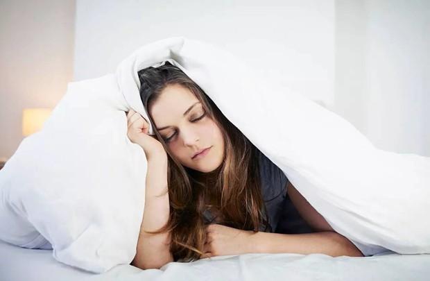 Vẫn mệt mỏi dù đã ngủ đủ giấc, hãy kiểm tra ngay xem mình có mắc các vấn đề sau không - Ảnh 1.