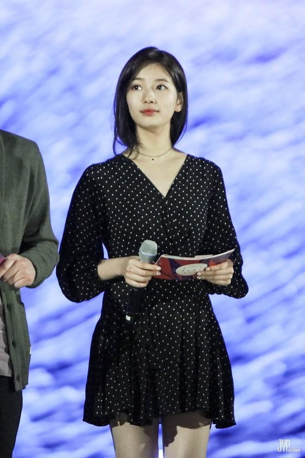 Hình hậu trường nóng hổi của Suzy tại Baeksang: Sải bước ở hầm để xe mà sang như bà hoàng, đẹp hơn cả đi thảm đỏ - Ảnh 5.