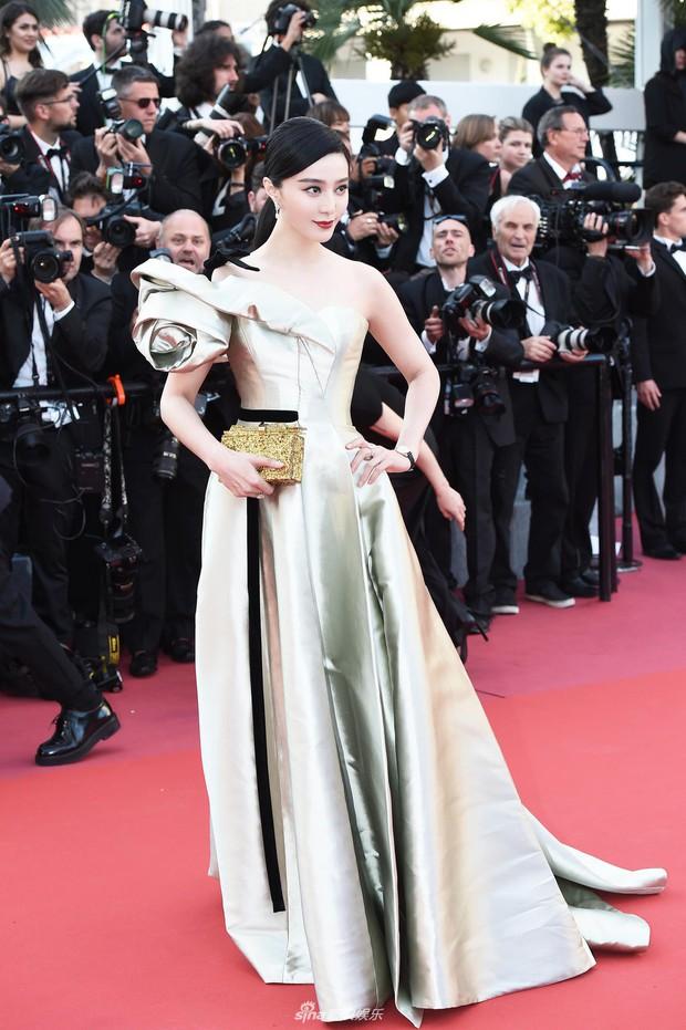 Thảm đỏ Cannes: Đây mới chính là nữ hoàng Phạm Băng Băng mà tất cả cùng mong chờ! - Ảnh 1.