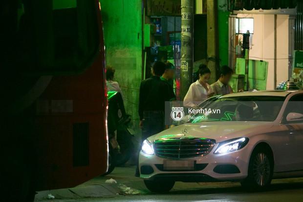 Sau cuộc đụng độ với Khánh My, Nhã Phương rời sự kiện cùng đi ăn ở một quán quen với chị gái - Ảnh 4.