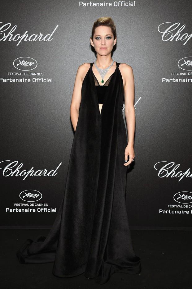 Tiệc tối LHP Cannes: Irina Shayk lộ vùng kín, Quan Hiểu Đồng khoe da trắng bật tông giữa dàn sao quốc tế - Ảnh 13.