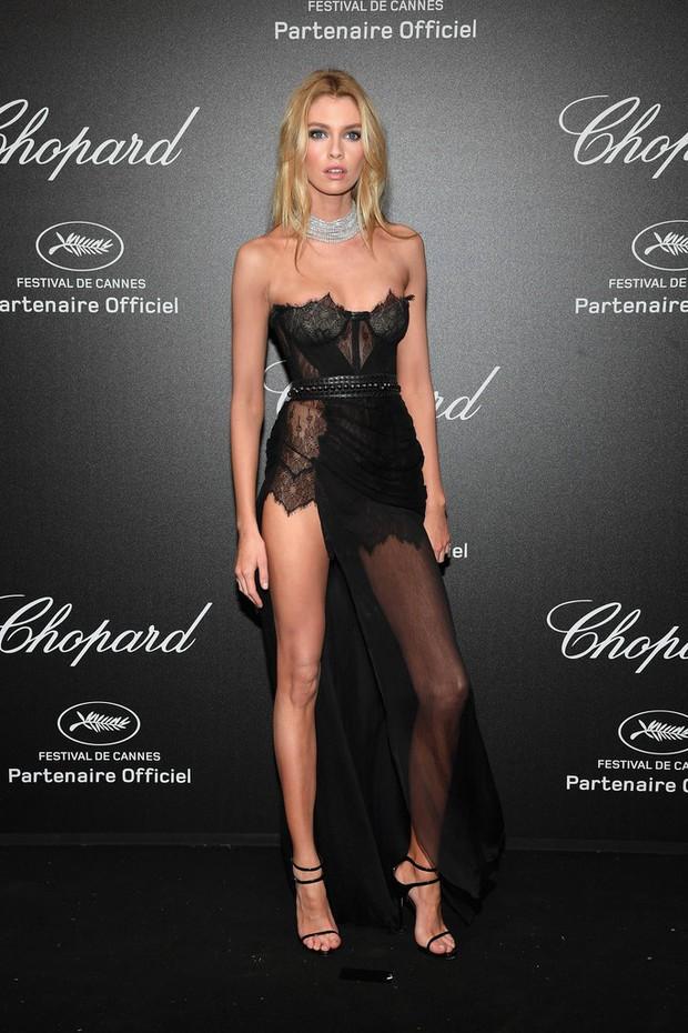 Tiệc tối LHP Cannes: Irina Shayk lộ vùng kín, Quan Hiểu Đồng khoe da trắng bật tông giữa dàn sao quốc tế - Ảnh 4.