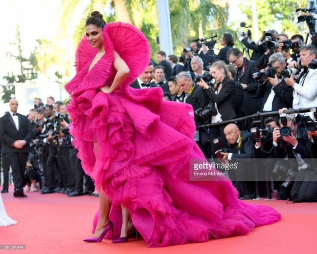 Thảm đỏ Cannes: Đây mới chính là nữ hoàng Phạm Băng Băng mà tất cả cùng mong chờ! - Ảnh 32.