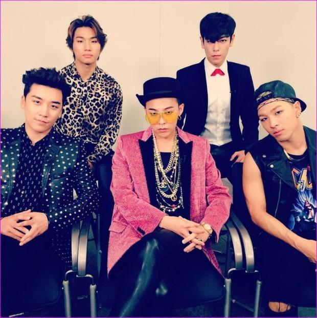 Chuyện chiếc blazer hồng: G-Dragon mặc từ 4 năm trước, Sơn Tùng M-TP diện trong MV mới toanh, Hoàng Ku vội rao bán ngay sau đó - Ảnh 3.