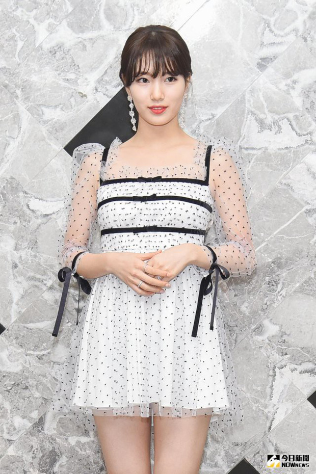 Suzy bị chê diện váy xấu, nhưng nhìn sang Yeri (Red Velvet) mới thấy đẹp hay không là do cách mặc mà thôi - Ảnh 1.