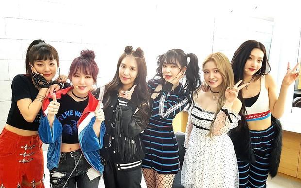 Suzy bị chê diện váy xấu, nhưng nhìn sang Yeri (Red Velvet) mới thấy đẹp hay không là do cách mặc mà thôi - Ảnh 6.