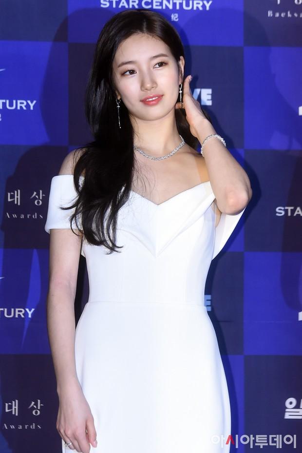 Hình hậu trường nóng hổi của Suzy tại Baeksang: Sải bước ở hầm để xe mà sang như bà hoàng, đẹp hơn cả đi thảm đỏ - Ảnh 35.