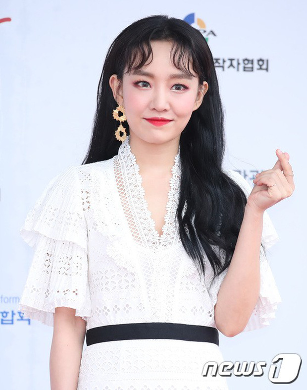 Thảm đỏ Dream Concert 2018: Dàn nữ thần Kpop bị mỹ nhân sexy vô danh lấn át, Seventeen, NCT điển trai như hoàng tử - Ảnh 32.