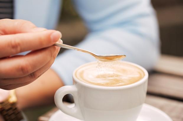 5 thói quen buổi sáng tưởng vô hại nhưng lại chính là nguyên nhân gây tăng cân - Ảnh 2.