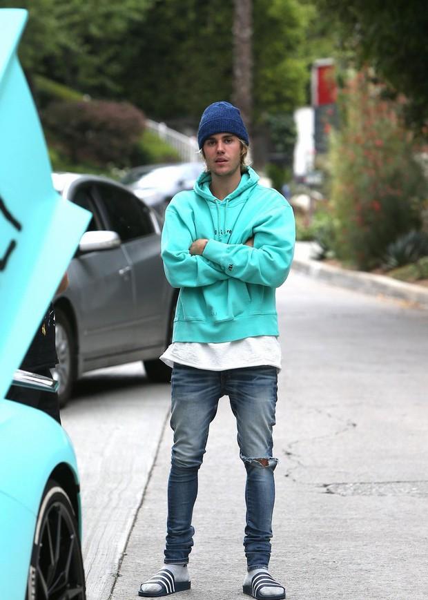 Từ đầu tóc đến áo quần, Justin Bieber đã đạt đến cảnh giới cao nhất của sự bô nhếch rồi đây - Ảnh 3.